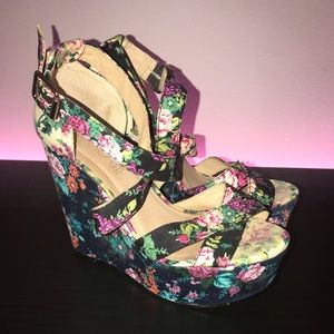 Aldo Flower Wedges
